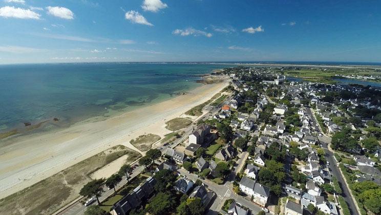 vue aérienne de la grande plage de carnac